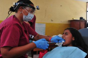 Der Weg zum Zahnarzt bei Kiefer- und Zahnschmerzen